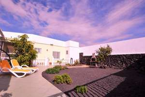 Villa for sale in Güime, San Bartolomé, Lanzarote.