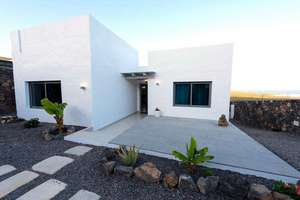 House for sale in Tabayesco, Haría, Lanzarote.