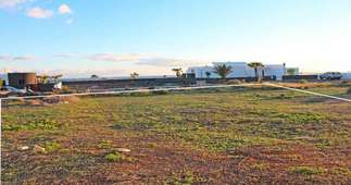 Urban plot for sale in Puerto Calero, Yaiza, Lanzarote.