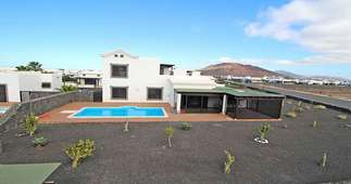Villa Luxury for sale in Playa Blanca, Yaiza, Lanzarote.