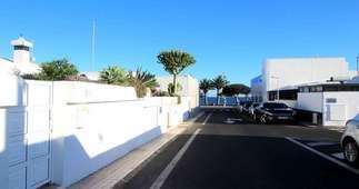 Bungalow for sale in Puerto del Carmen, Tías, Lanzarote.