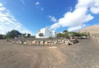 Chalet for sale in La Asomada, Tías, Lanzarote.