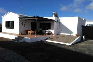 House for sale in El Cuchillo, Tinajo, Lanzarote.