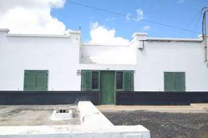 Townhouse for sale in Tahiche, Teguise, Lanzarote.
