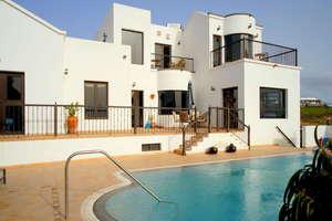 Villa Luxury for sale in El Mojón, Teguise, Lanzarote.