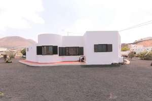 Bungalow for sale in La Vegueta, Tinajo, Lanzarote.