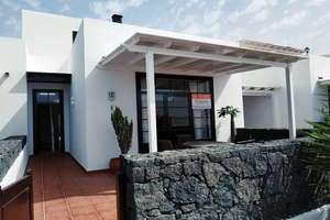 Casa a due piani vendita in Puerto Calero, Yaiza, Lanzarote.