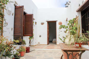 Country house for sale in Haría, Lanzarote.